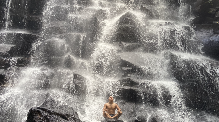 Янош Бачин - водопад Kanto